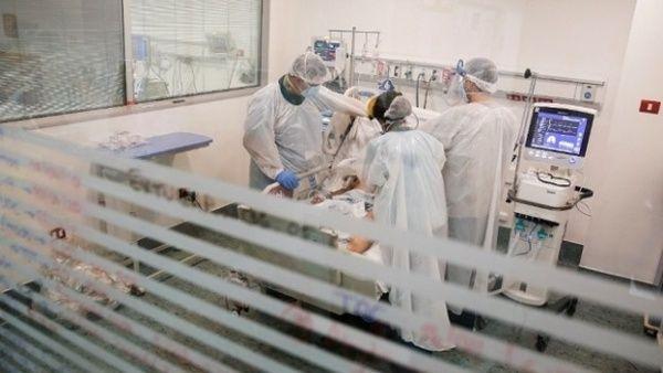 Advierten colapso de sistema de salud de Chile en dos semanas