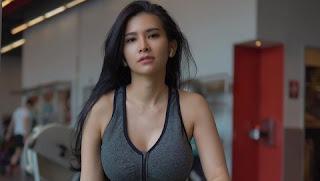 Tips Diet ala Maria Vania Turun 5 Kg