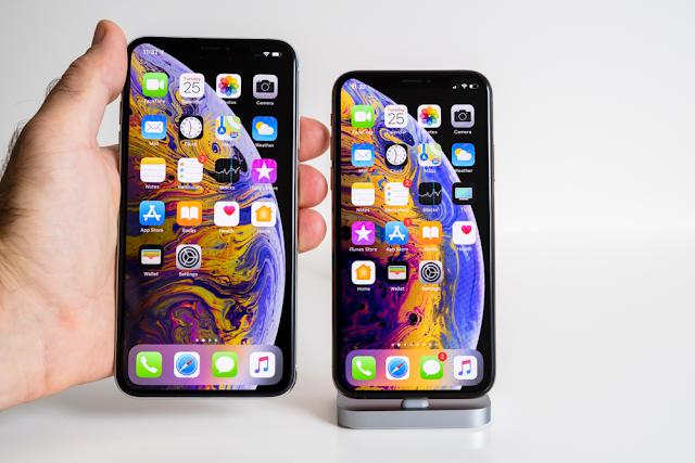 أصبحت أجهزة iPhone 11 الجديدة و iPhone 11 Pro و iPhone 11 Pro Max معروضة للبيع الآن، ولكن قبل أن تأخذ قرارك بشراء أحد الهواتف الثلاثة الجديدة يجب عليك أن تتعرف عن كل ما يخصها وتتطلع على ميزاتها الجديدة، وإن كنت تريد التعرف على سعر iPhone 11 Pro وسعر iPhone 11 Pro Max و سعر iPhone 11 فتابع معنا السطور التالية لتتعرف على كل ما يخص أجهزة الآيفون الجديدة.