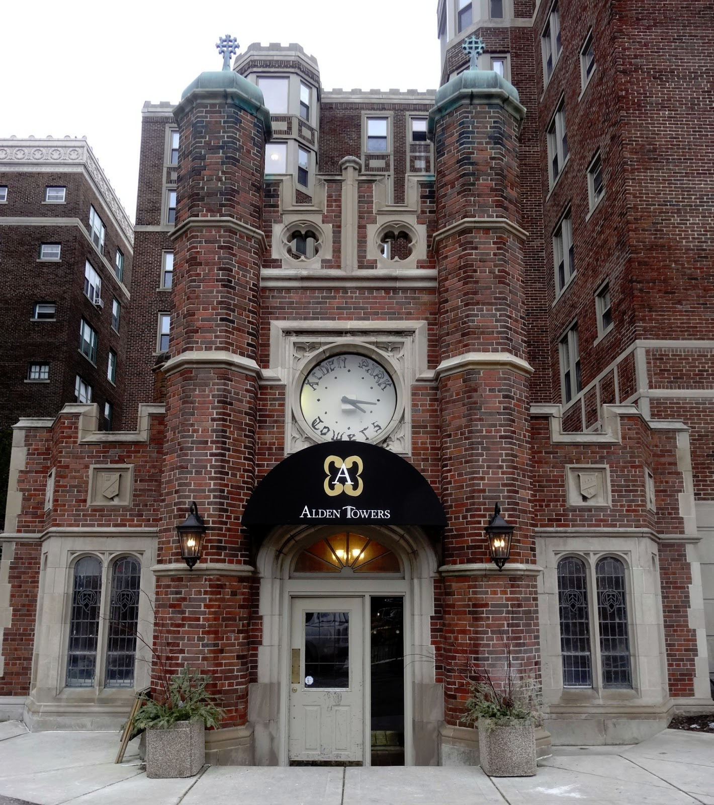 Ghetto Homes And Gardens-Detroit : HIDDEN TREASURES...ON