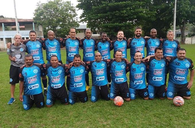 Napoli de Fabriciano lança seu novo uniforme em jogo de seis gols contra o Penharol