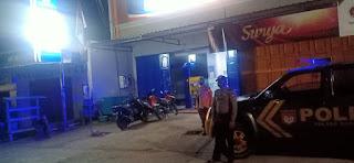 Personel Polsek Baraka Polres Enrekang Lakukan Patroli Blue Light Guna Mengurangi Tindak Pidana Malam Hari