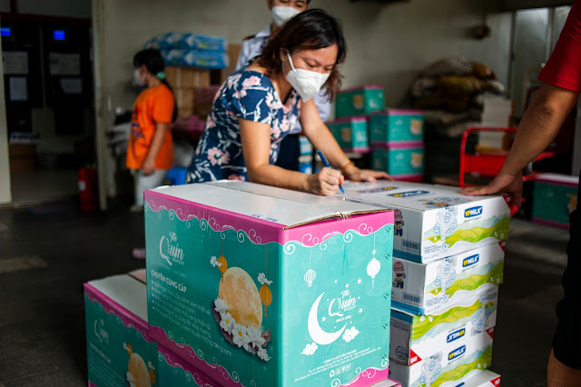 Mid-Autumn Festival gifts for children quarantined in hospitals because of Covid 19