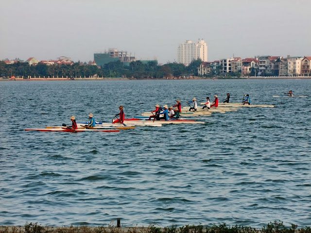 Kayaking on Hanoi's West Lake 2