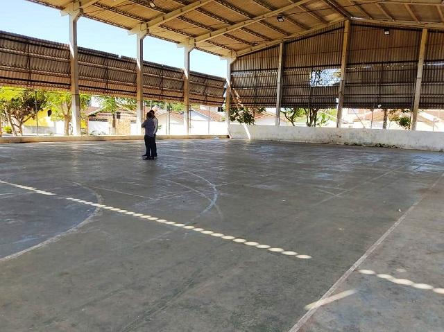 Secretaria de Esportes engaja parceiros para melhorias de quadras esportivas em bairros
