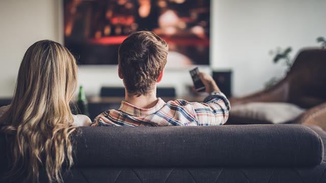 هل الأفلام مفيدة ؟ لماذا يجب عليك الإهتمام بالسينما ؟