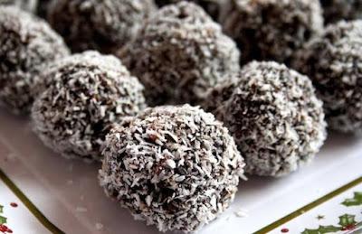 حلوى كرات جوز الهند و الشوكولاتة