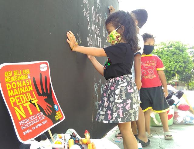 Komunikotavisual Ajak Anak-Anak Berkreasi dan Peduli Korban Bencana NTT