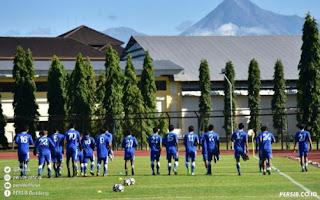Bobotoh Yogyakarta Antusias Saksikan Uji Tanding Persib di Stadion UNY