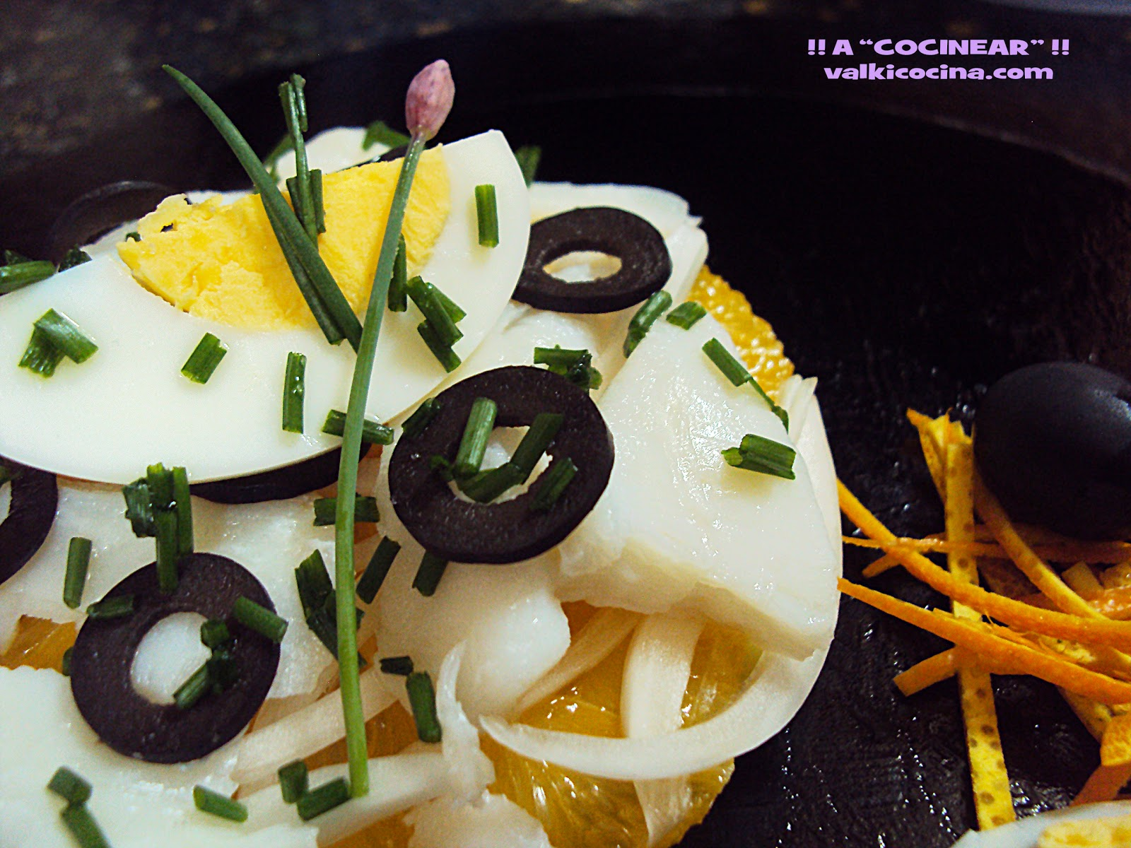 ensalada de bacalao, patatas y naranja