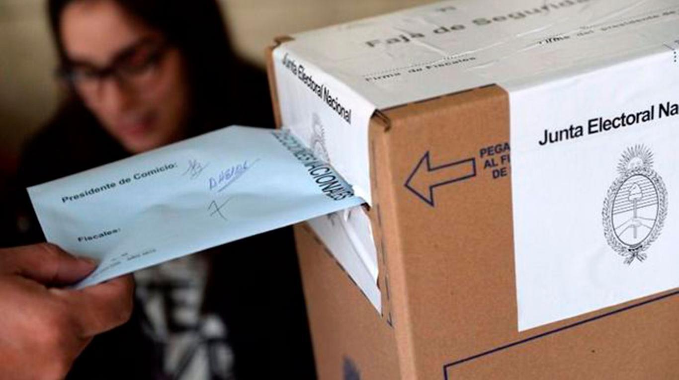 Evalúan incrementar 30% las escuelas para votar en las legislativas de este año