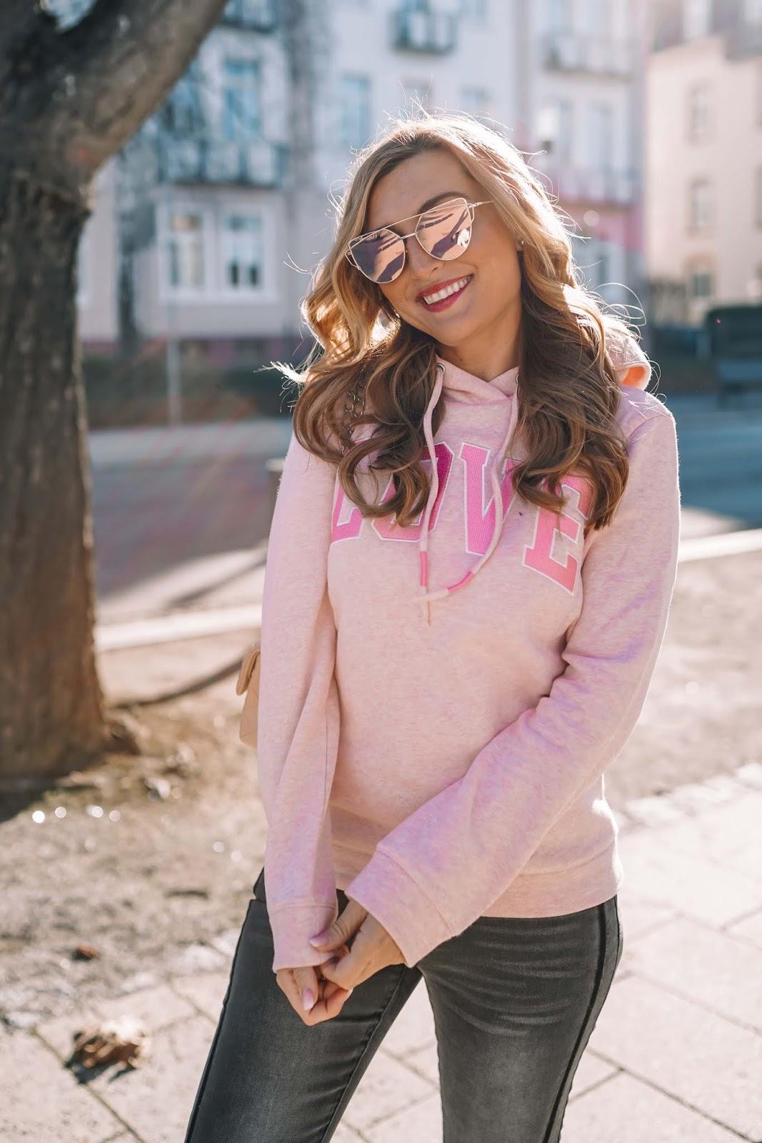 wie kann man eine verspiegelte Sonnenbrille anziehen