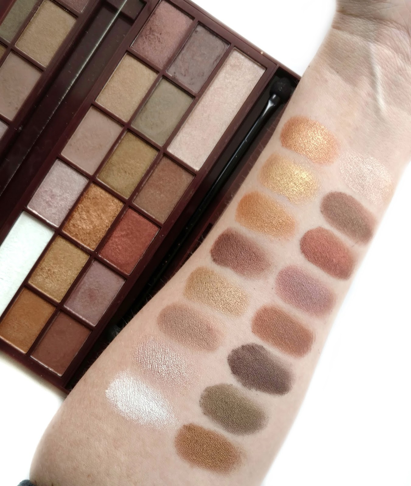 makeup revolution golden bar palette swatches