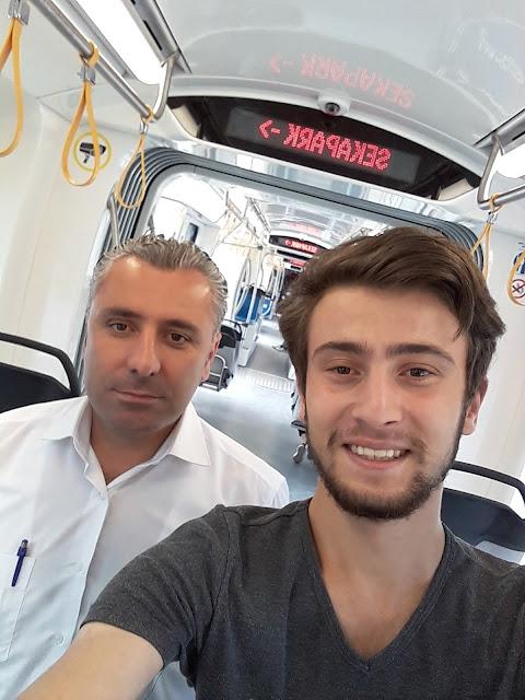 Harun İstenci Yüksel Ayçiçek ile birlikte Akçaray tramvay hattını test ediyor. İzmit, Kocaeli - Haziran 2018