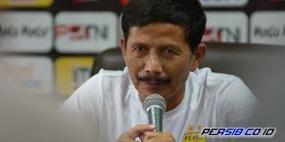Djanur Mundur sebagai Pelatih Persib Bandung Masih Belum Pasti