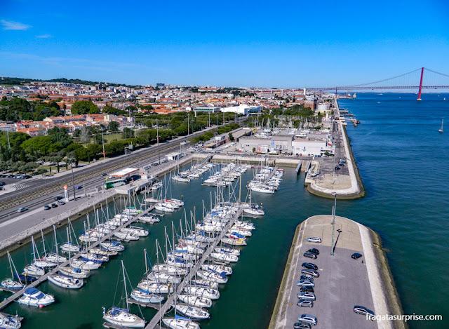 Lisboa vista do alto do Padrão dos Descobrimentos, em Belém