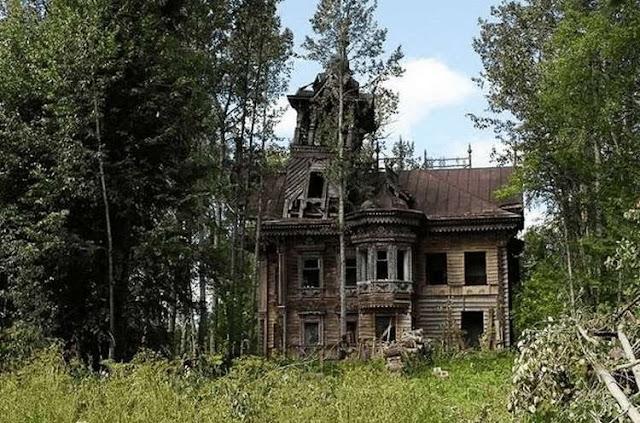 Русский терем стоял нетронутым 120 лет, но один мужчина решил его отреставрировать