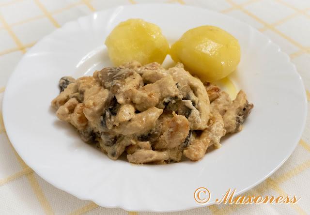 Фрикасе из курицы с грибами. Французская кухня