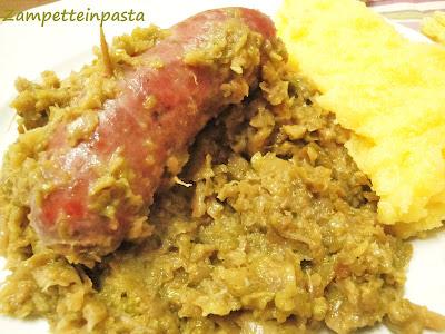 Verze soffegae con luganega (salsiccia) e polenta - Ricetta tradizionale