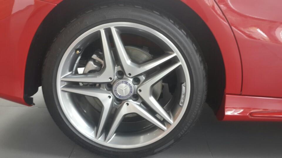 Bán Xe Mercedes CLA250 4Matic Màu Đỏ Thể Thao 2015 d
