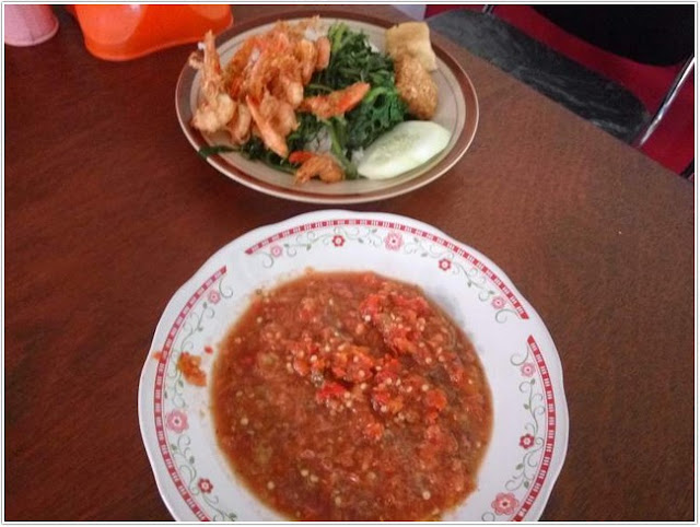 Sego Tempong Mbok Wah;10 Top Kuliner Banyuwangi