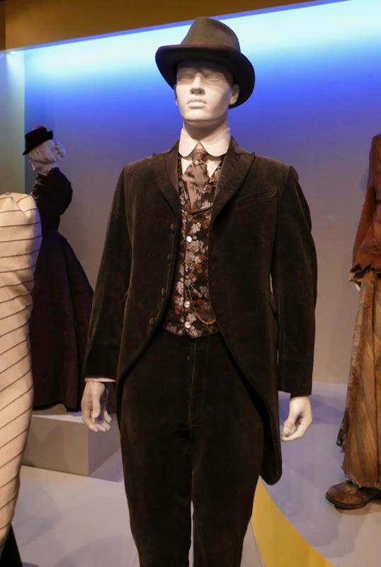 Luke Evans Alienist John Moore costume