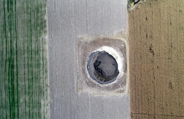 The sinkholes in Karapınar viewed from the air