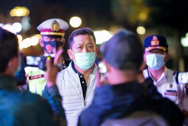 Warga Tak Disiplin, Sekdakot Bandung  Ancam Tutup Jalan Dipatiukur