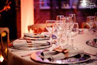 casamento estilo miniwedding em porto alegre com cerimônia e recepção no restaurante gui olivier cocina de la madre em porto alegre cerimônia externa a céu aberto organização e decoração elegante e sofisticada por life eventos especiais em branco nudes e pratarias