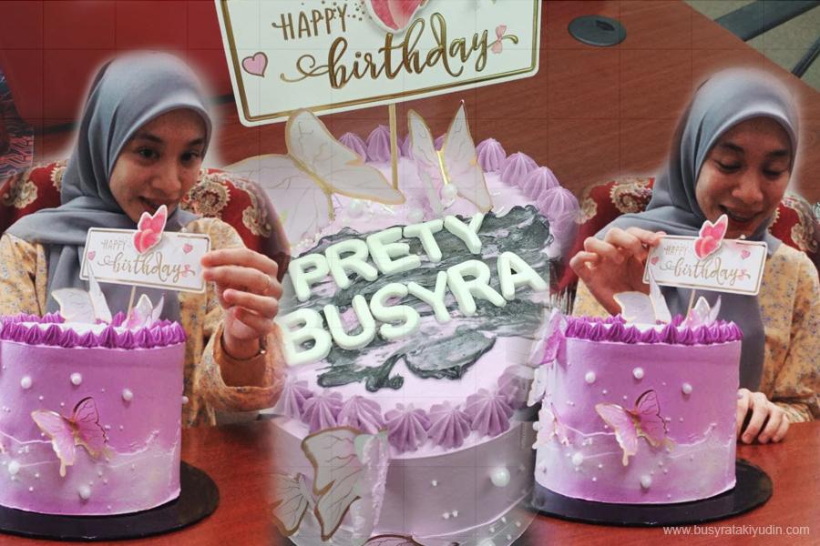 surprise kek birthday, tempahan kek hari jadi, officemates, hadiah birthday,