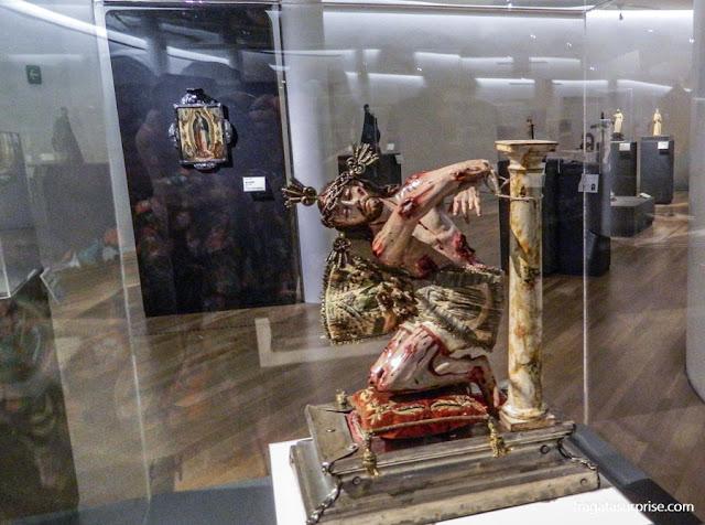 Arte sacra mexicana do Século 18 no Museu Soumaya, Cidade do México