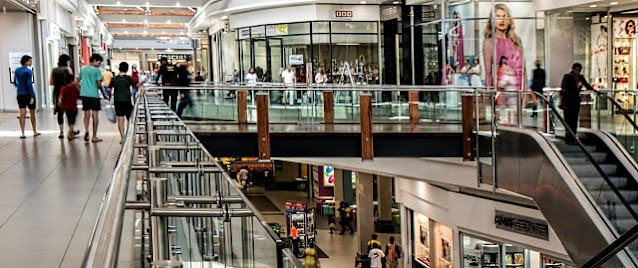 how to save money at the mall shopping malls budget