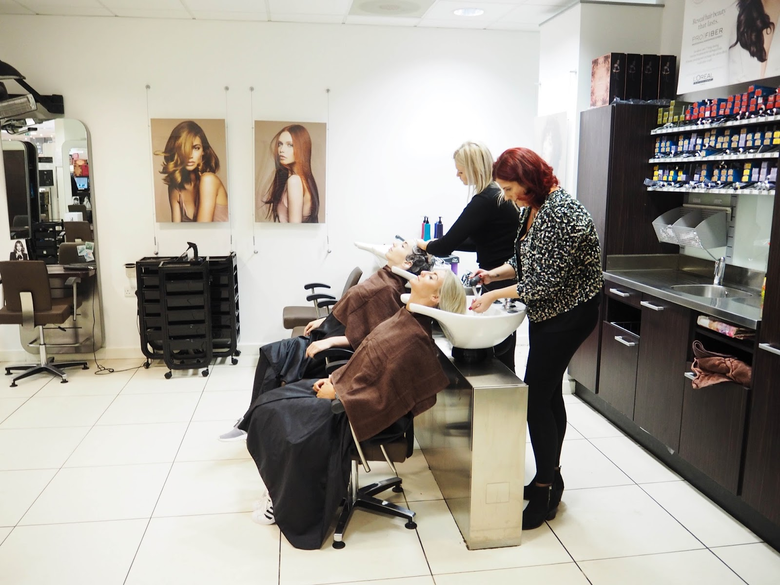 Regis Bubbles Blow Dry With Ghd Friendsnips Girl Talk With Laura
