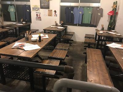 神奈川・横須賀 横須賀ビール 店内 レストラン テーブル