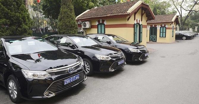 Hàng loạt xe Lexus, Land Cruiser, Camry thanh lý giá rẻ