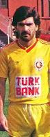 Galatasaray'ın eski futbolcusu ve teknik direktör Uğur Tütüneker İsviçre'den sınır dışı edildi