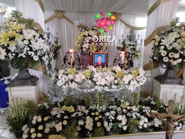 karangan bunga duka cita daerah surabaya, tempat pemesanan karangan bunga di surabaya, jual karangan bunga murah di surabaya
