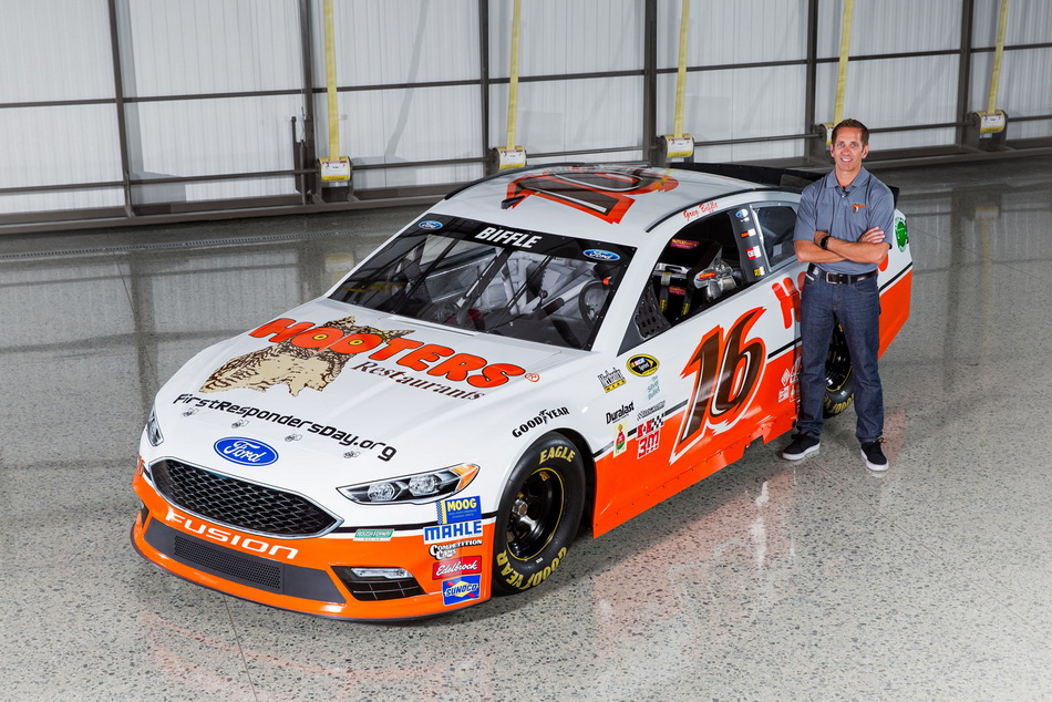 Hooters Returns To Nascar In Throwback Livery Carscoops