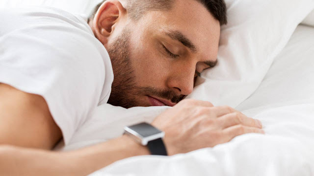 أجهزة تتبع النوم قد تغذي القلق وتقلل من جودة النوم