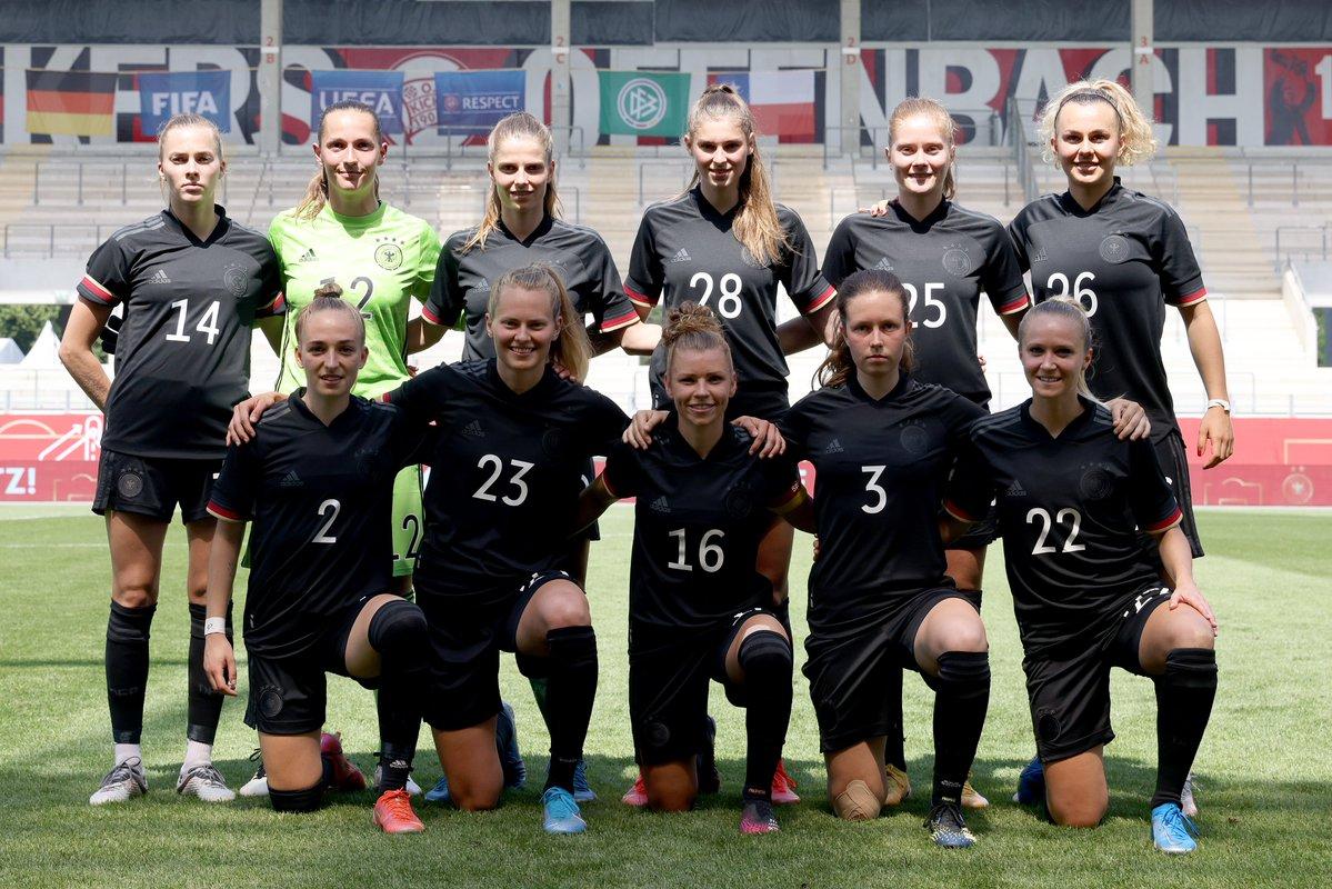 Formación de selección femenina de Alemania ante Chile, amistoso disputado el 15 de junio de 2021