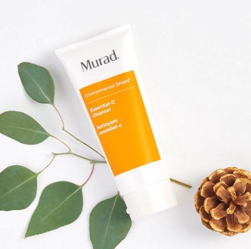 sua rua mat Murad Essential C Cleanser