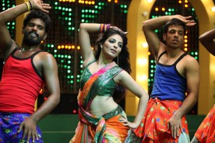 mythili in the song sequence