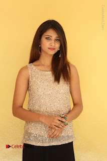 Tollywood Upcoming Actress Arthi Stills in Black Skirt at Plus 1 Movie Trailer Launch  0062.JPG