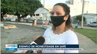 Mulher encontra bolsa com quase R$ 50 mil e devolve à dona, em Sapé