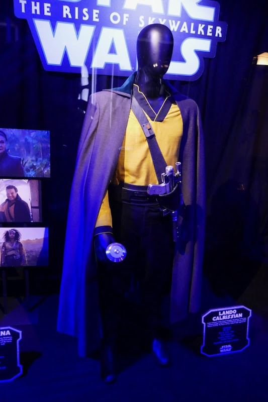 Billy Dee Williams Star Wars Rise of Skywalker Lando costume
