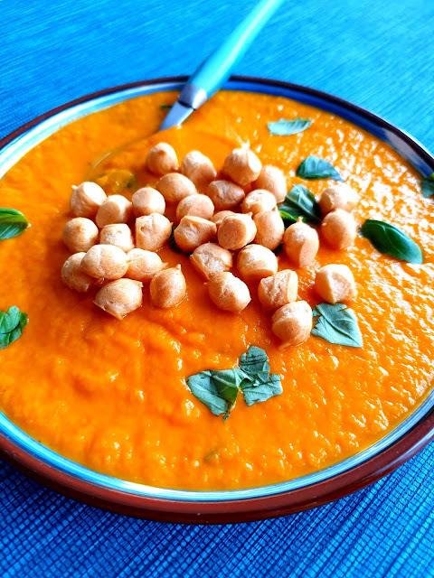 zupa krem z dyni,dania z dyni,zupa z dyni,zupa z marchewki, zupy odchudzające, detoks organizmu,najlepsza zupa,krem z dyni, groszek ptysiowy,najlepszy blog kulinarny