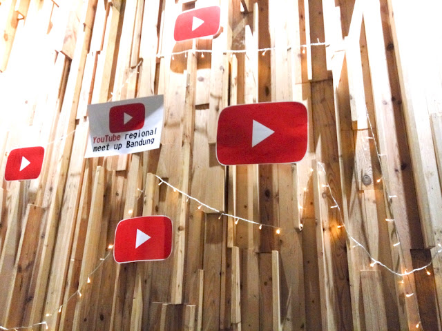 Youtube Happy Hour Bandung