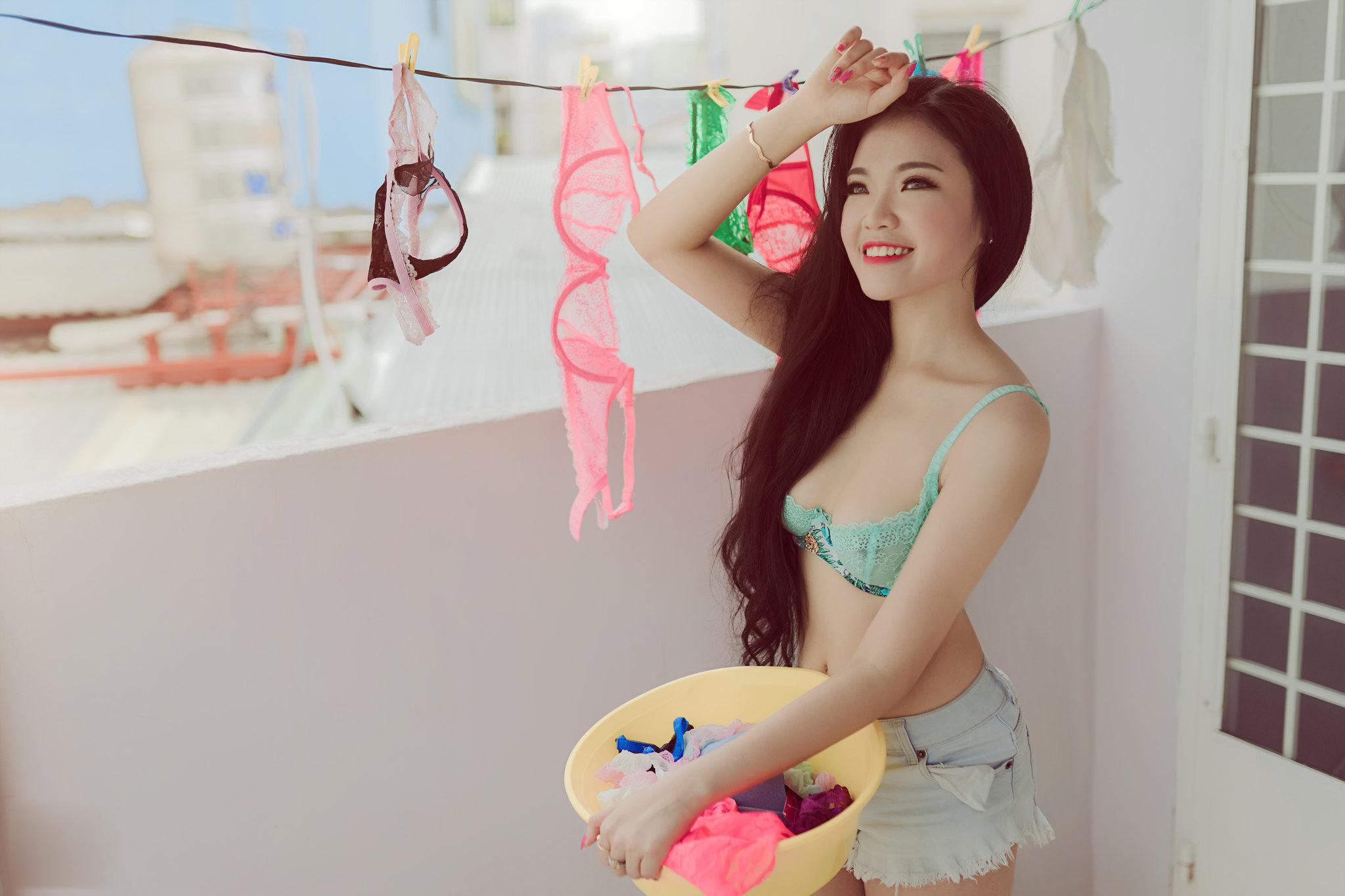 Ngắm hình ảnh gái xinh mặc bikini màu hồng đẹp gợi cảm