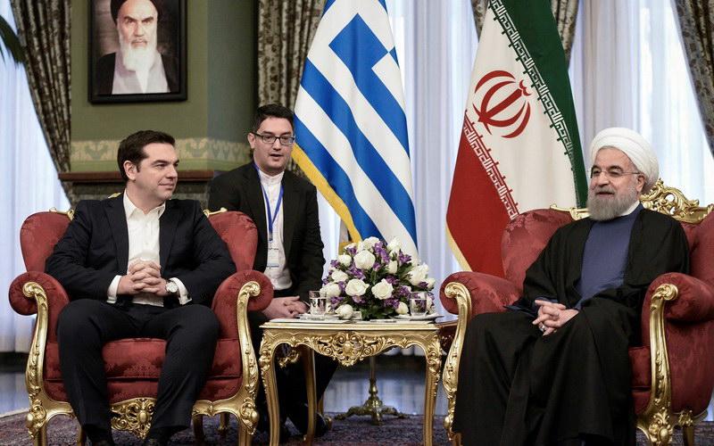 Τι κινδυνεύει να χάσει η Ελλάδα από την κίνηση Τραμπ κατά του Ιράν