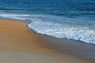 Pantai-indah-untuk-liburan
